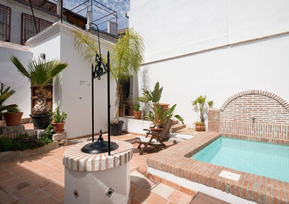 casa en granada con piscina