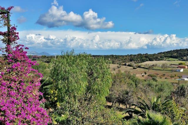 Enorme villa de lujo en la costa norte de Mallorca, con vistas a la montaña