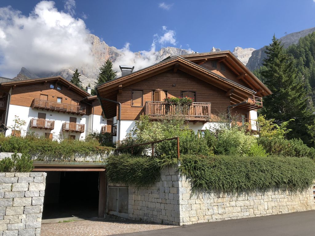 Residencia en San martino di castrozza con parking incluído