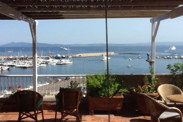 Ático con terraza y maravillosas vistas al puerto