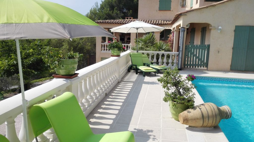 Residencia de 220 m² de 5 habitaciones
