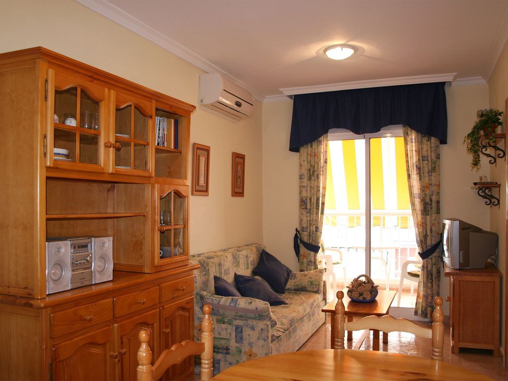 Holiday rental with swimming pool for 6 people