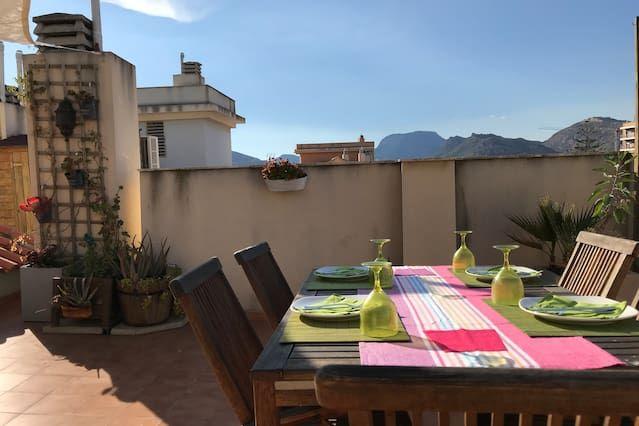 Apartamento precioso de 2 dormitorios en Cartagena