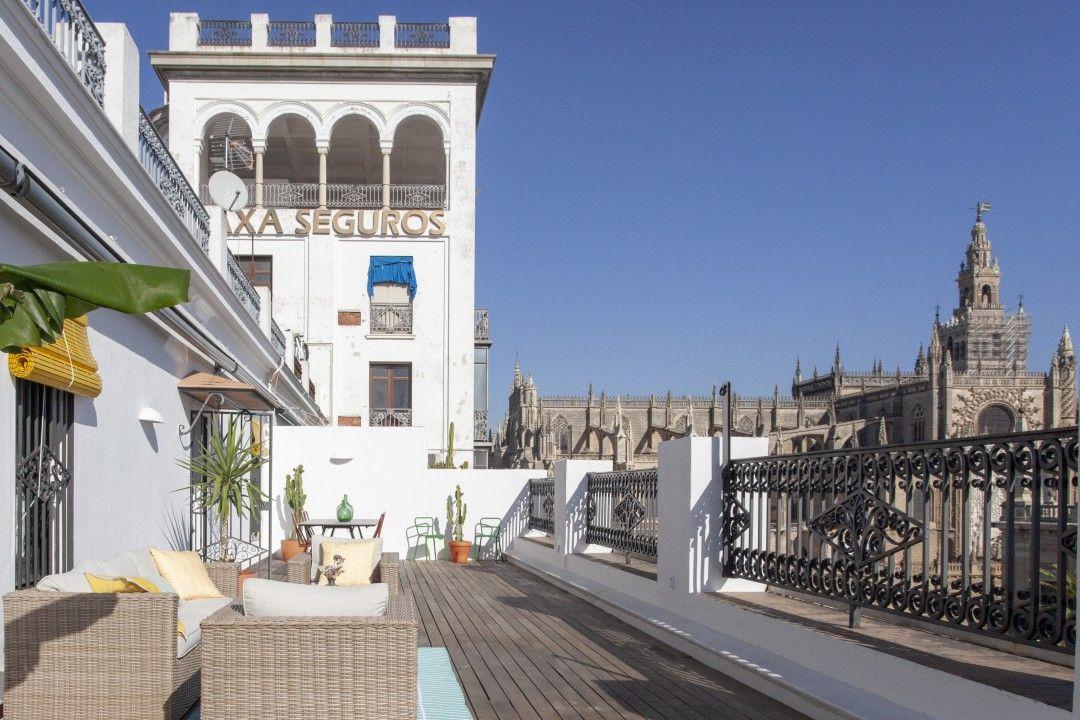 Vivienda en Sevilla con balcón