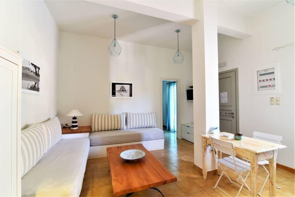 Interesante piso en Fáros