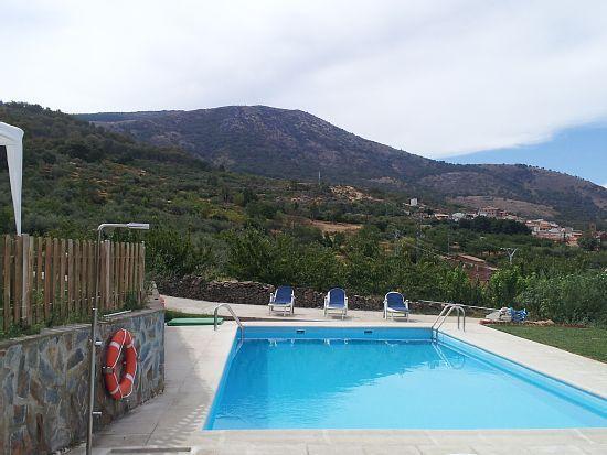 Alojamiento para 4 personas con piscina