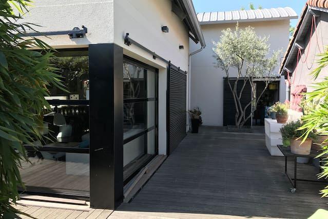 Casa contemporánea 6/8 personas con jardín piscina privada en la ciudad muy tranquila