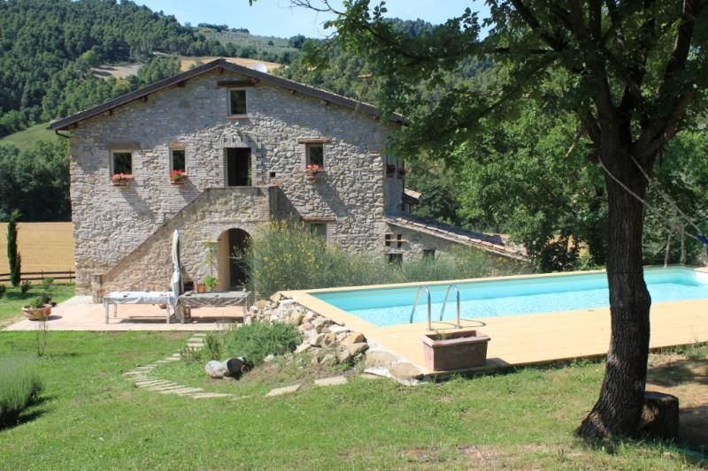 17th century amazing stone Umbrian farmhouse