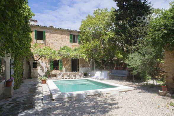 220 m² property in Santanyi