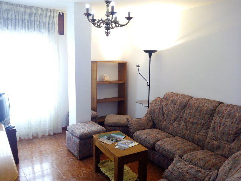 Apartamento económico en el centro de Ribeira (e)