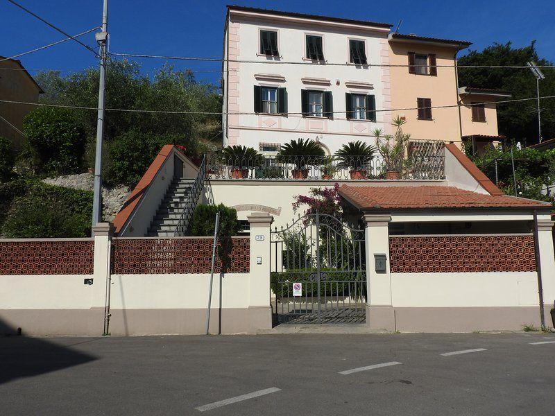 Fresco appartamento Toscano in stile Liberty