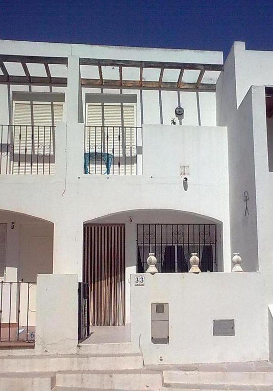 Alojamiento de 3 habitaciones con jardín