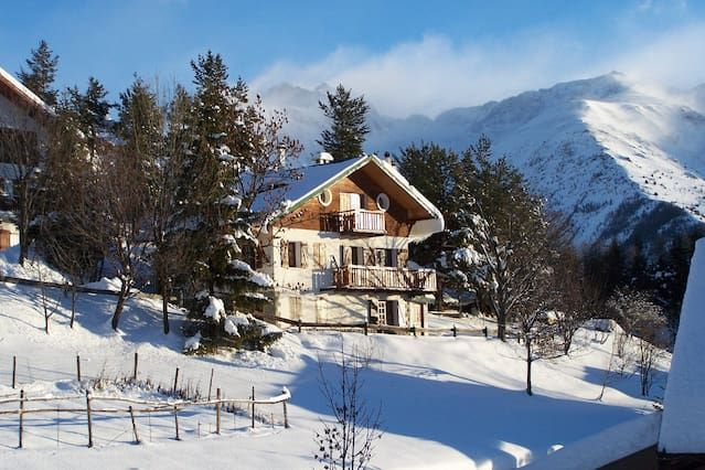 Flat in typical Chalet