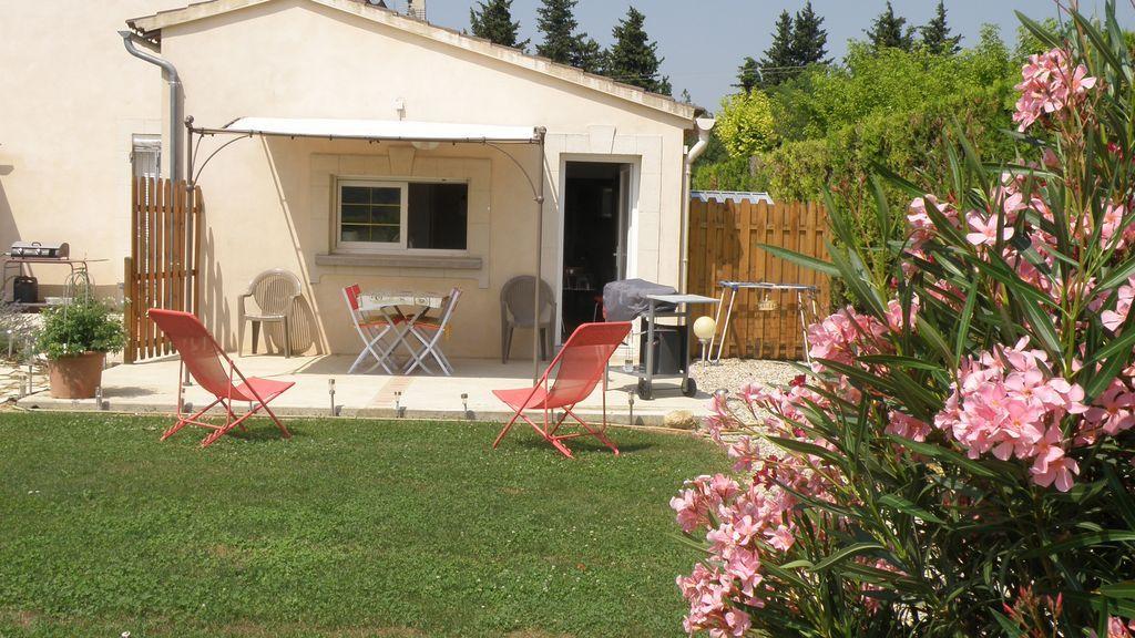 Residencia con piscina de 30 m²