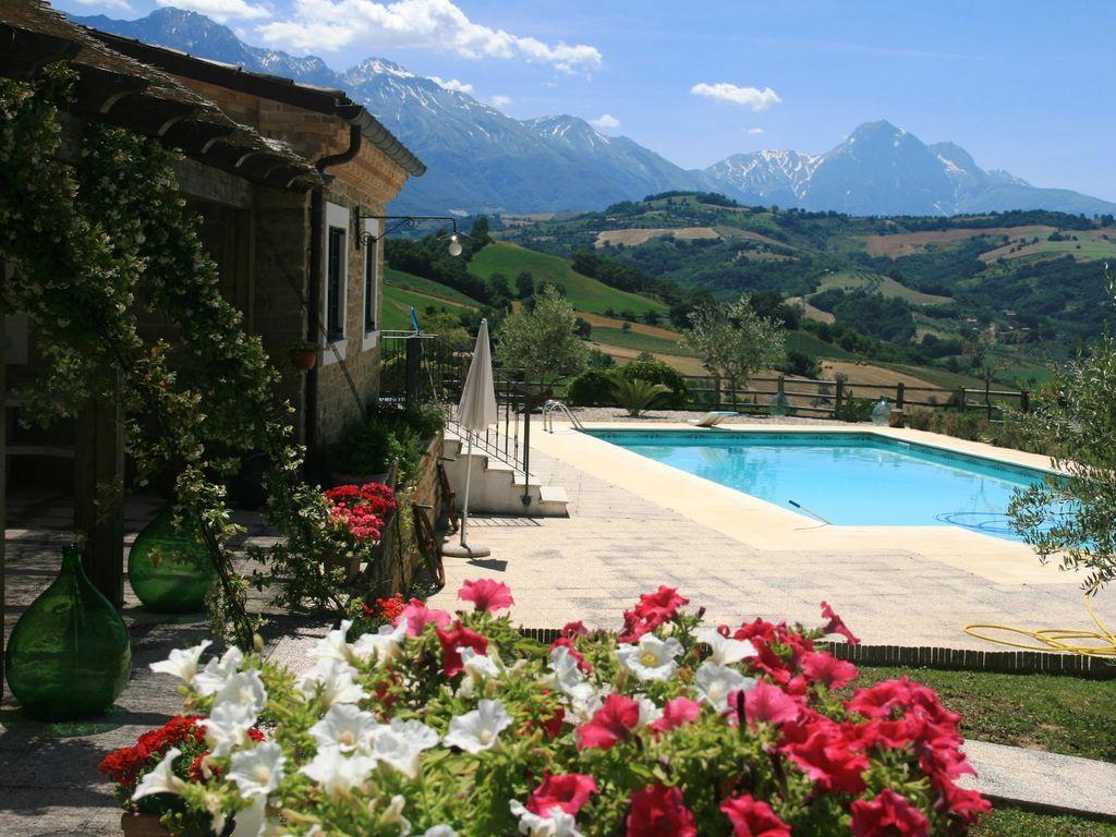 Vivienda de 480 m² en Castiglione messer raimondo