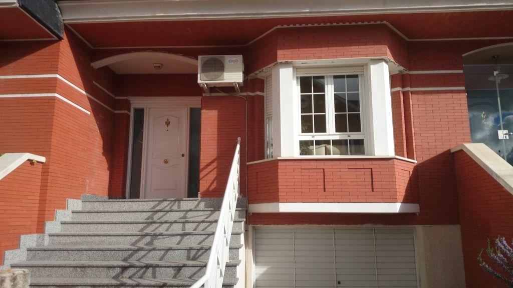 Alojamiento con balcón de 100 m²