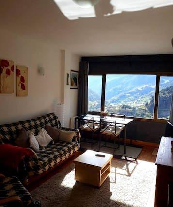 Appartement à Soldeu avec balcon