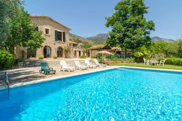 Alojamiento con piscina para 9 personas