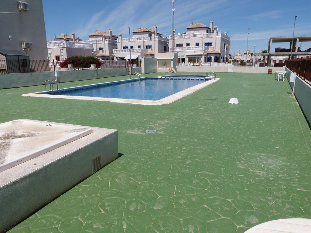 Apartamento de 3 habitaciones con piscina