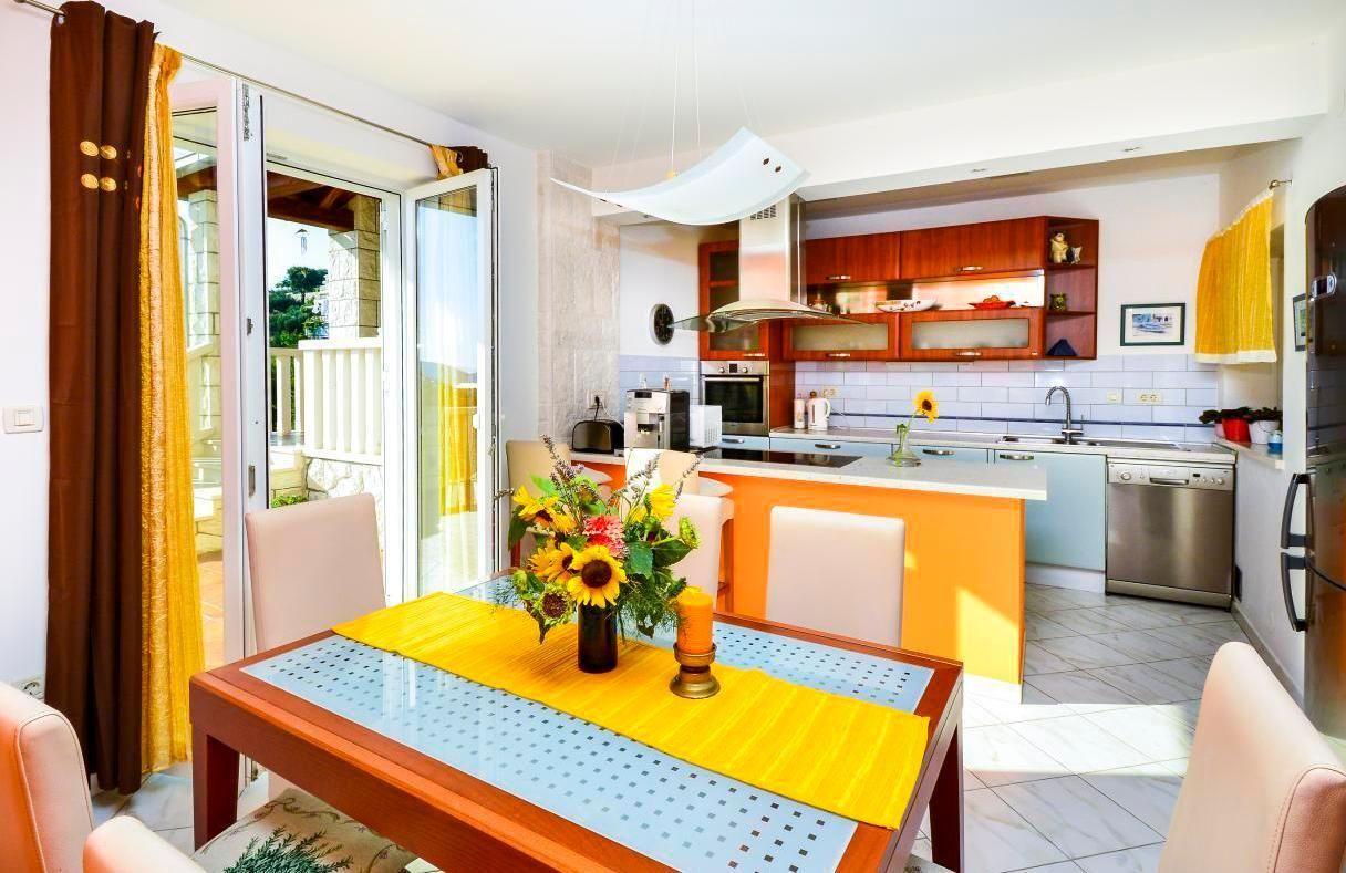 Residencia cómodo con jardín