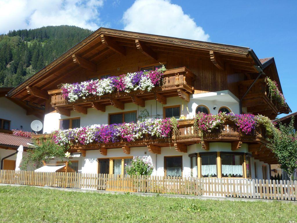 Ferienunterkunft auf 90 m² in Neustift im stubaital