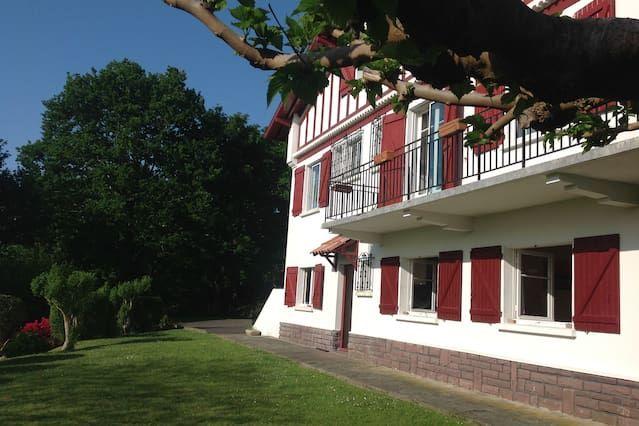 Con vistas residencia de 6 habitaciones
