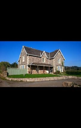 Luxury Apartment in 18th Century Farmhouse. Near Chepstow & Forest of Dean