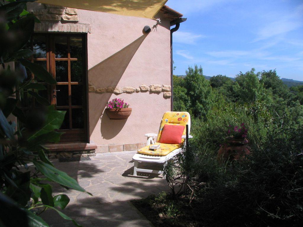 Casa de vacaciones para 2 Pesonen a KL. Casa vacacional con piscina, restauración y aguas termales de compras