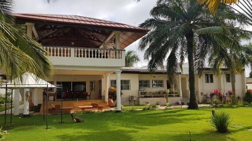 Residencia en Agbalé pédo con parking incluído