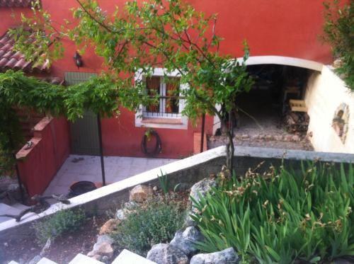Estupenda vivienda con jardín