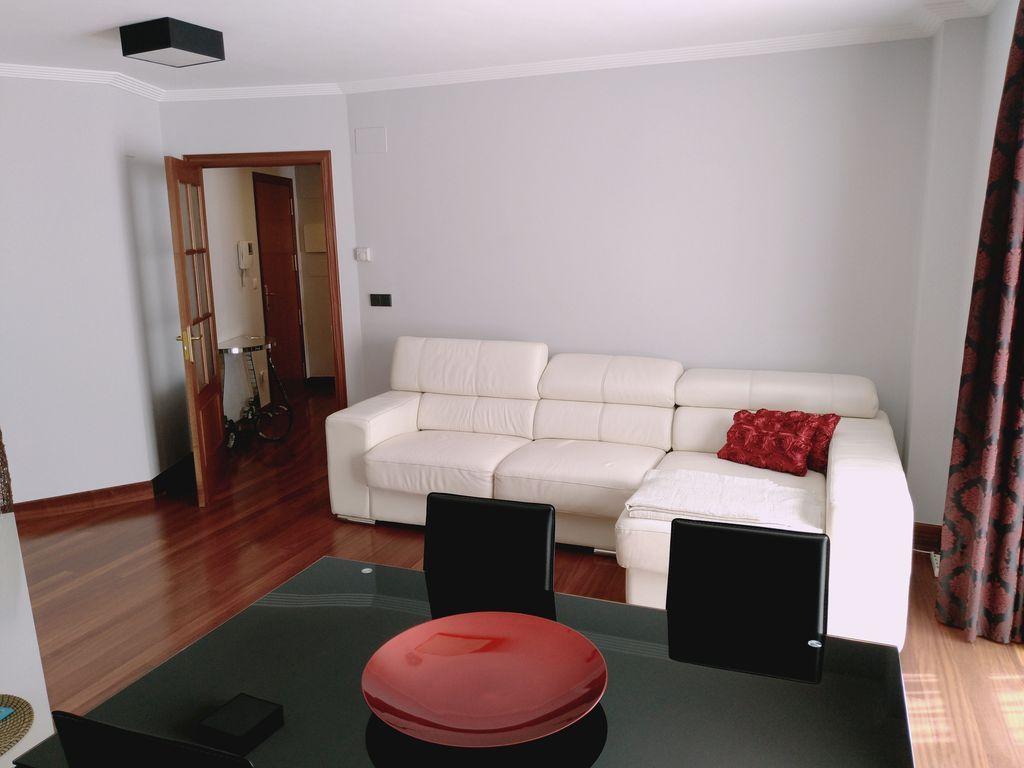 Equipado piso de 2 habitaciones