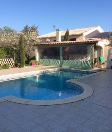 Residencia con piscina para 8 huéspedes