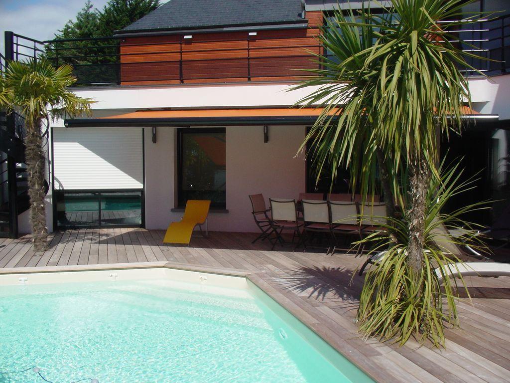 Amplia villa con piscina climatizada, cerca de las playas, a 10 personas