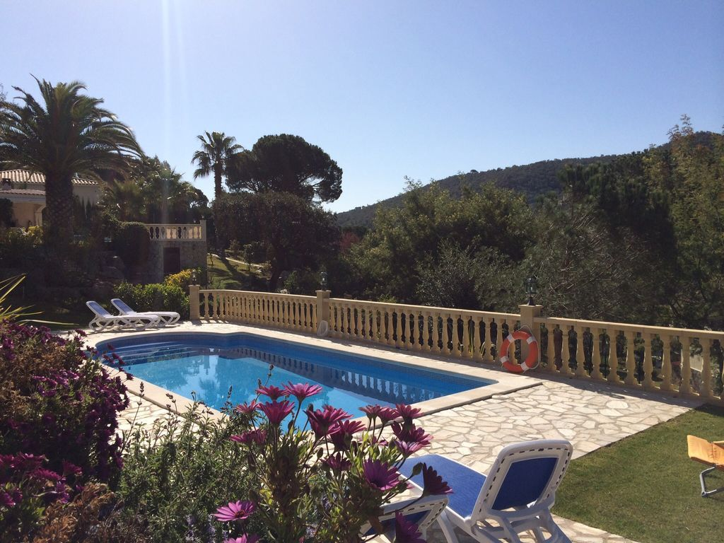 Central holiday apartment with Wifi and Balcony in Costa brava