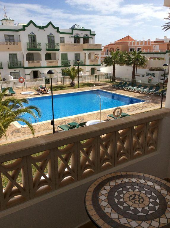 Logement de 3 chambres avec balcon