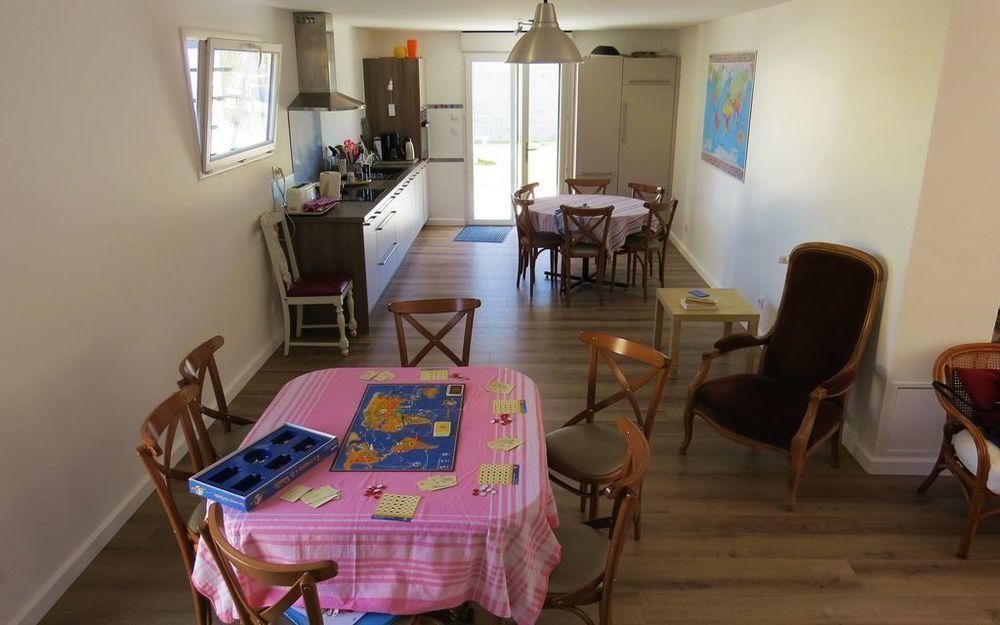 Alojamiento de 6 habitaciones con jardín