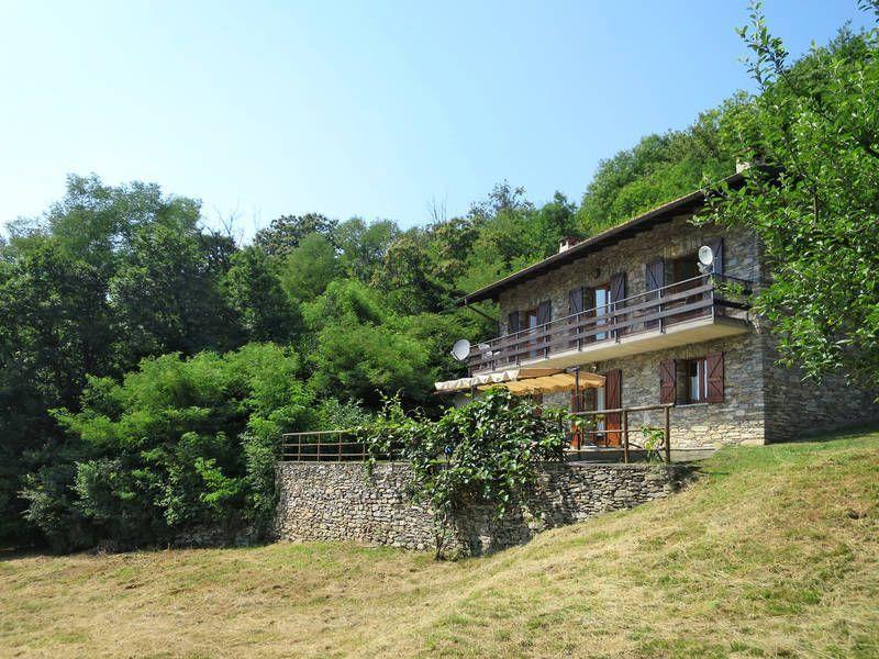 Hogareña residencia en Luino (va)