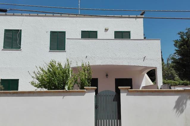 Vivienda con balcón de 120 m²