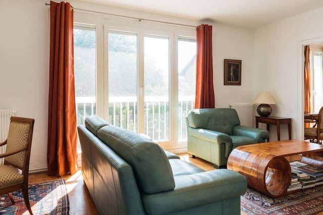 Alojamiento de 2 habitaciones en Tassin-la-demi-lune