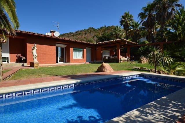 Casa equipada con piscina