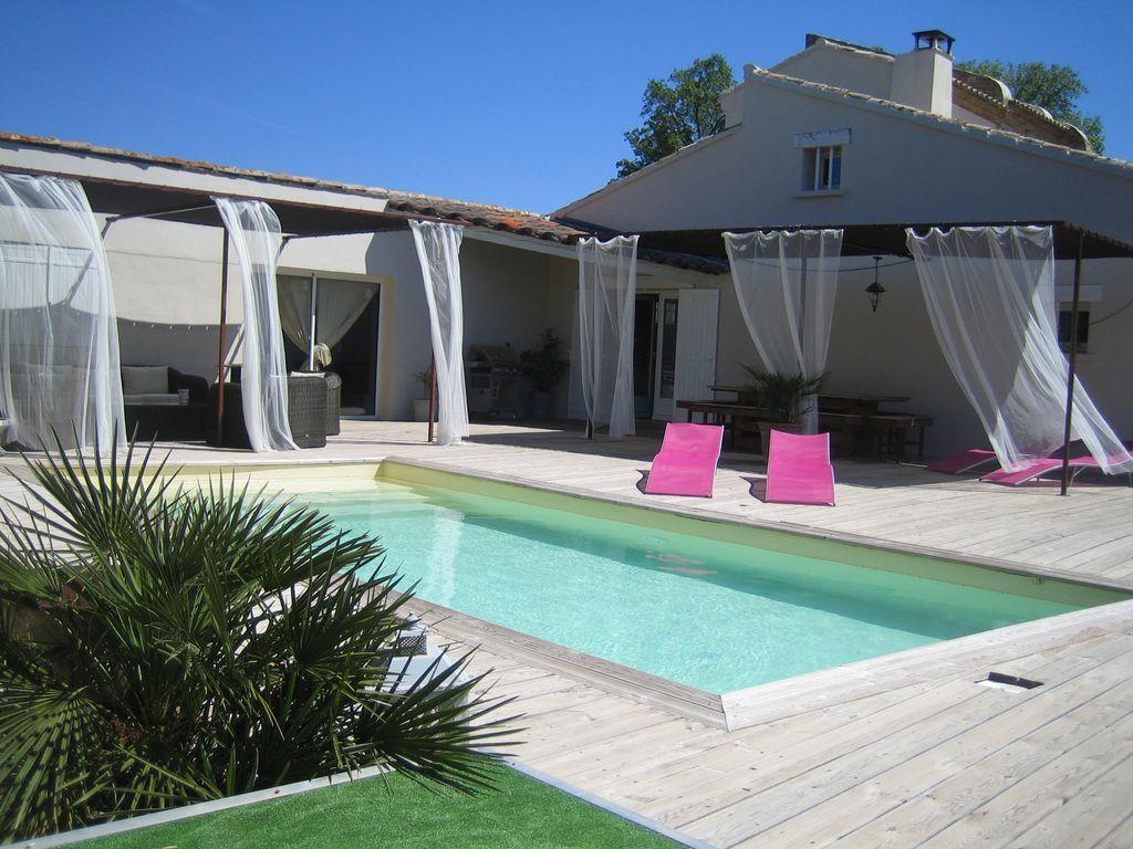 Alojamiento para 5 huéspedes con piscina