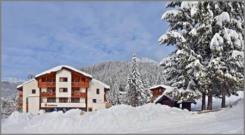 Casa vacanze di 17 camere con balcone