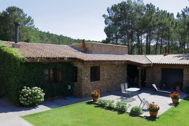 Casa Rural Sierra de Aguafría. Finca El Robledillo para 8 personas