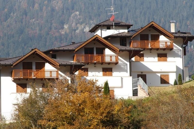 Modern apartment, stunning views close to ski lift