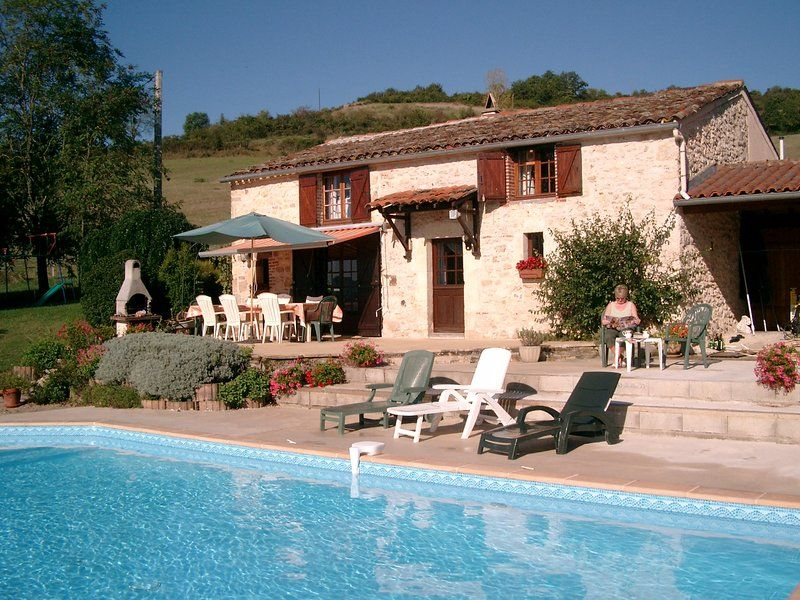 Cordes-sur-Ciel Stone Farmhouse in 2¼ Acres, wifi