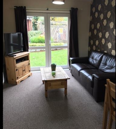Apartment with parking included in Warrington