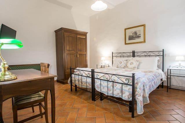 Apt Datini en Prato y visita la Toscana