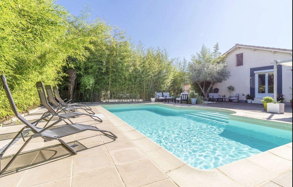 Casa de 2 habitaciones con piscina