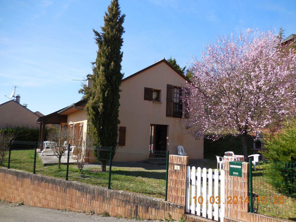 Casa familiar de 3 habitaciones
