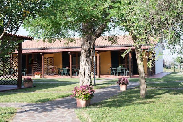 Residencia en Populonia con jardín
